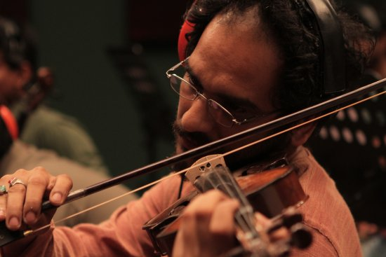 The Violin Player – a thrilling vibrato from India 1